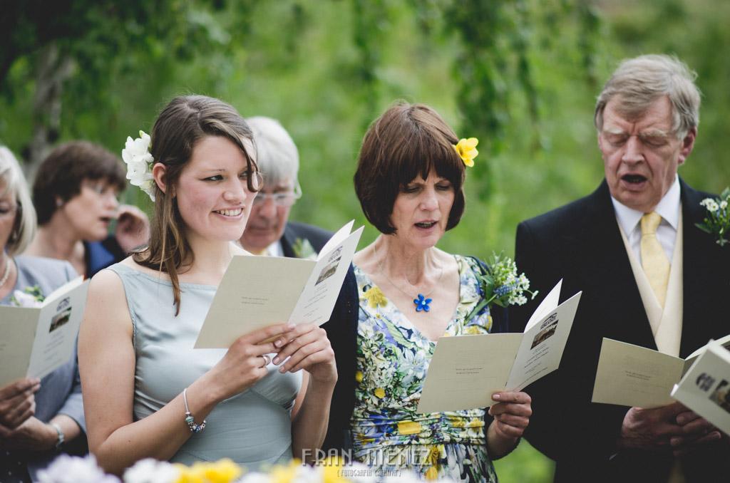 101 Wedding Photographer. Fran Menez. Wedding photographer in Granada. Wedding photographer in Cadiar. Wedding photographer in Spain. Wedding photojournalism in Granada. Wedding photojournalism in Spain. Wedding photojournalist in Granada