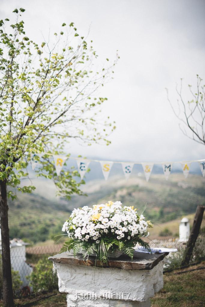 60 Wedding Photographer. Fran Menez. Wedding photographer in Granada. Wedding photographer in Cadiar. Wedding photographer in Spain. Wedding photojournalism in Granada. Wedding photojournalism in Spain. Wedding photojournalist in Granada