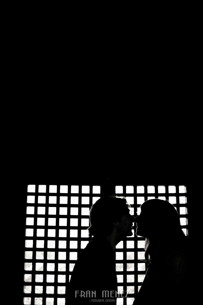 21 Fotografos de Pre Bodas en Granada. Fotografos de Pre Bodas Granada. Fotografos Pre Bodas Granada. Fotografias de Pre Boda Palacio Dar Al Horra. El Banuelo. Termas Arabes. Albaicin. Paseo de los Tristes