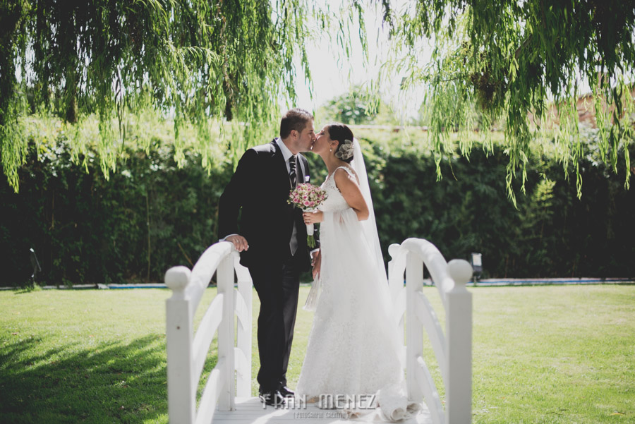 123 Fran Menez Fotografo de Bodas en Huetor Tajar, Salar, Loja, Granada. Fotoperiodismo de Boda. Weddings Photographer. Weddings Photojournalism