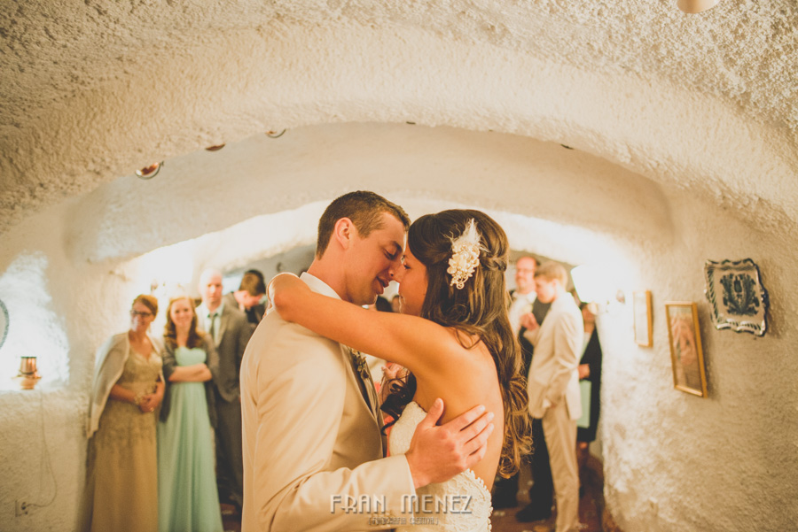 244b Weddings Photographer Fran Menez. Weddings Photographer in Granada, Spain. Destination Weddings Photopgrapher. Weddings Photojournalism. Vintage Weddings. Different Weddings in Granada