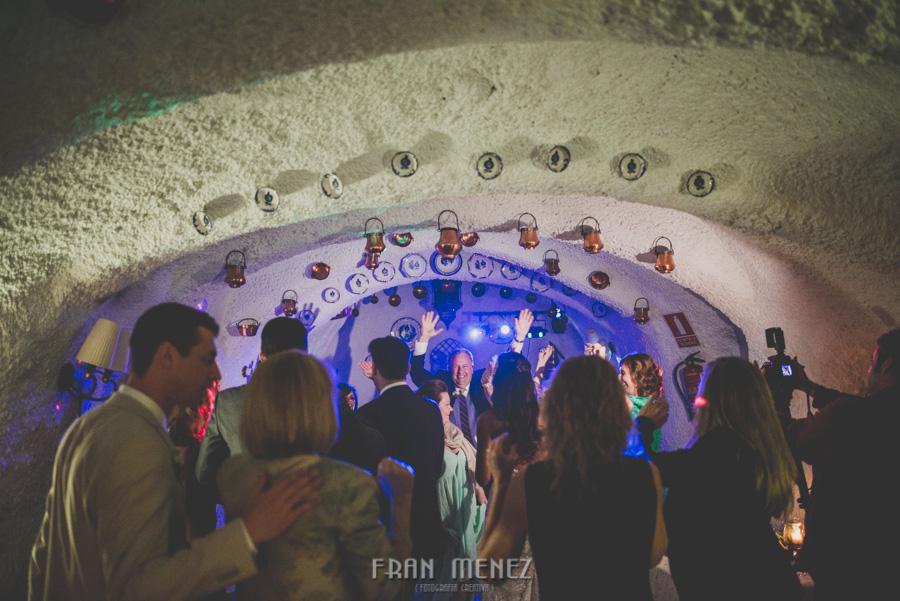 255 Weddings Photographer Fran Menez. Weddings Photographer in Granada, Spain. Destination Weddings Photopgrapher. Weddings Photojournalism. Vintage Weddings. Different Weddings in Granada