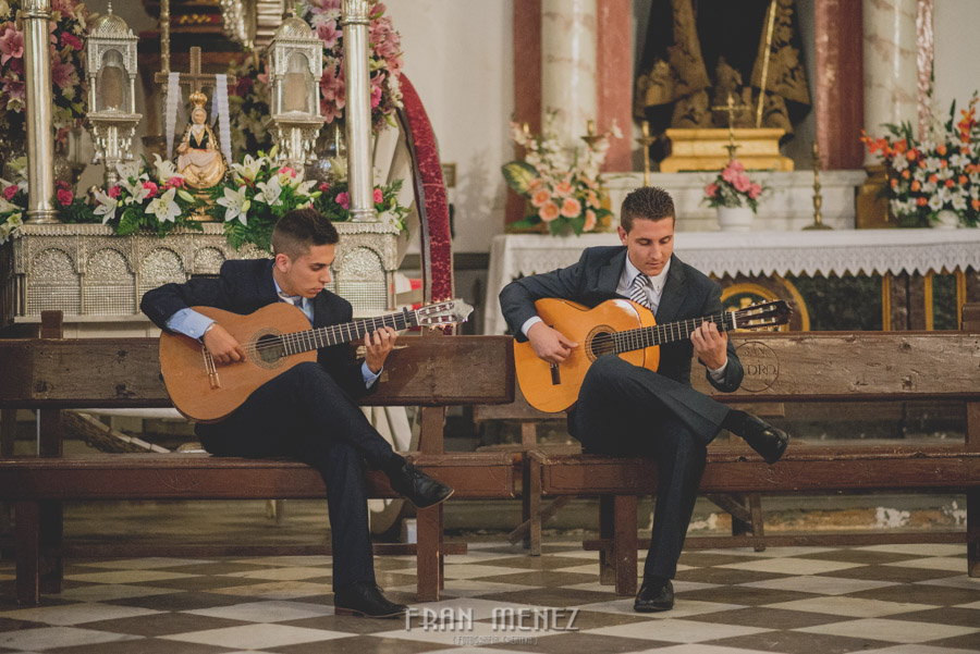 Fran Ménez Fotógrafo de Bodas en Granada. Iglesia de San Pablo y San Pedro. Carmen de los Chapiteles. Fotografía de Boda. 82
