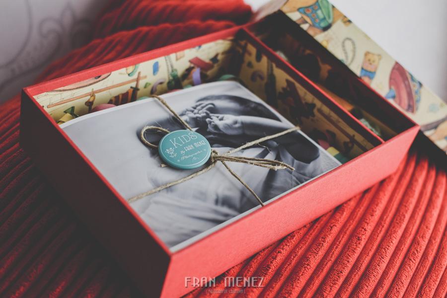 Caja para reportajes fotográficos infantiles y de bebés. Fran Ménez Fotografía Infantil y de bebés.