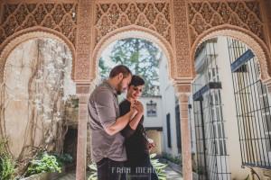 Sesiones de Pareja en Granada. Fran Ménez Fotógrafo en Granada. Love Sesion y reportajes de pareja 30