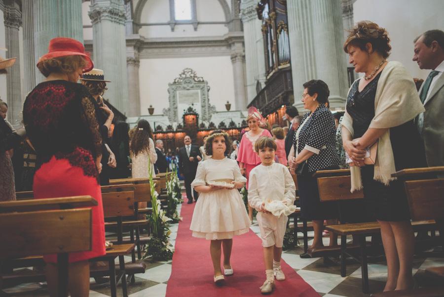 Fran Ménez. Fotógrafo de Bodas en Huescar. Iglesia Santa María La Mayor. Fotografías de Boda Yolanda y Jose 51