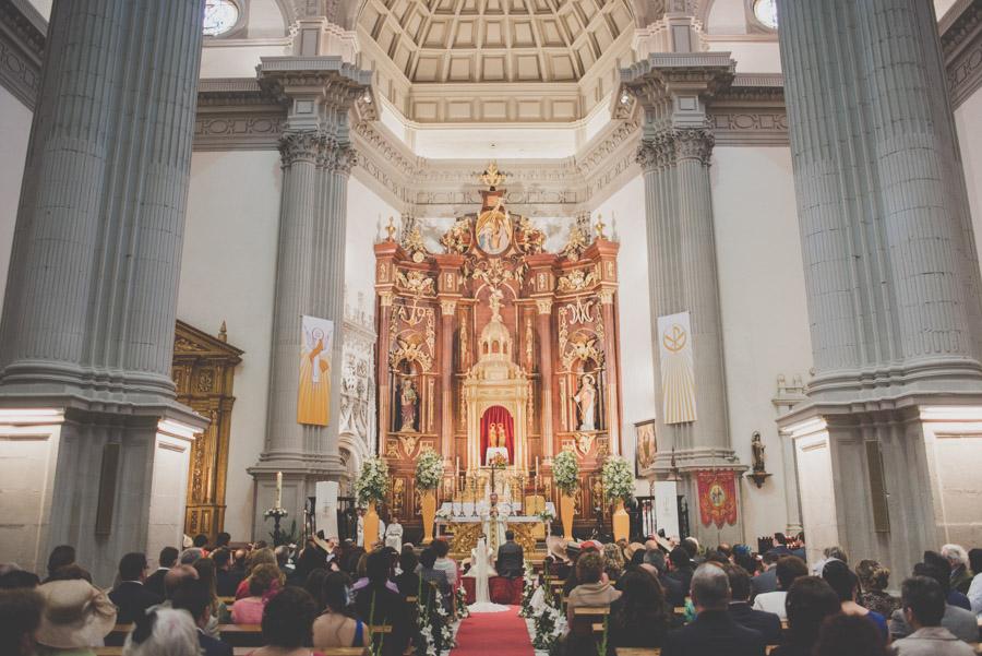 Fran Ménez. Fotógrafo de Bodas en Huescar. Iglesia Santa María La Mayor. Fotografías de Boda Yolanda y Jose 55