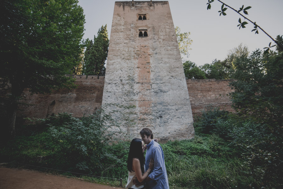 pre-boda-en-la-alhambra-fotografo-granada-fran-menez-ana-y-javi-2