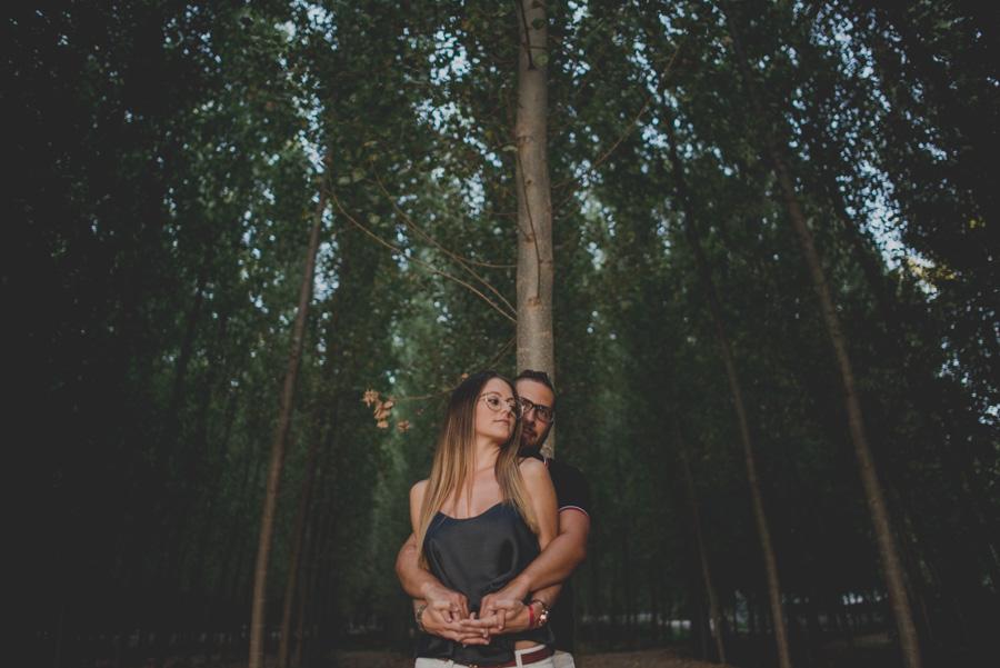 Pre-Boda-en-Granada-Reportaje-de-pareja-en-el-paseo-de-los-tristes-Fran-Ménez-Fotógrafo-de-Bodas-19