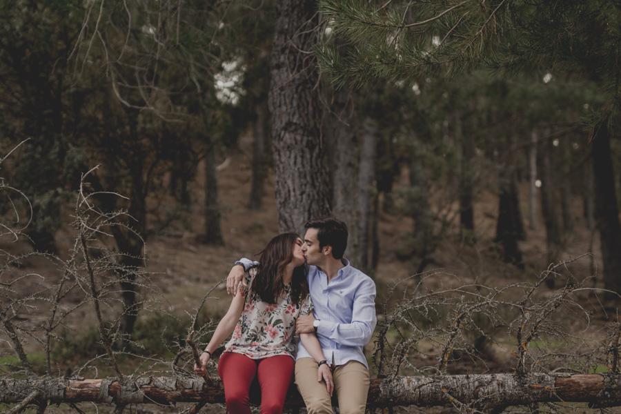 David e Inma. Pre Boda en Primavera en la Sierra de Huetor Santillan. Fran Ménez Fotógrafos de Boda en Granada. 17
