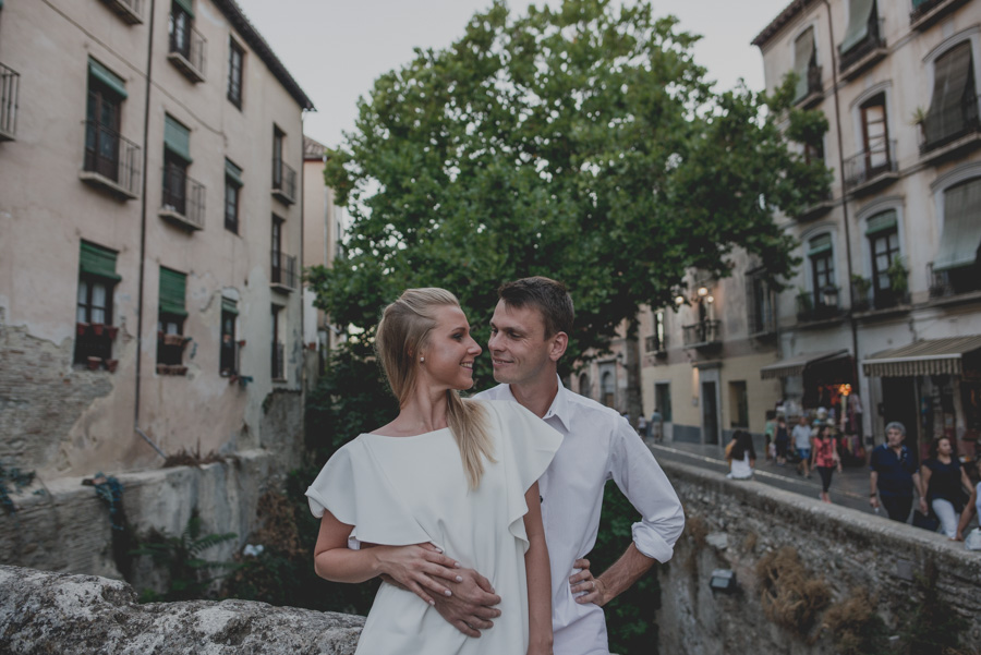 Kamila y Geminidas. Photoshoot in Granada. Couple session in Granada. Fran Ménez Photographer in Granada 13