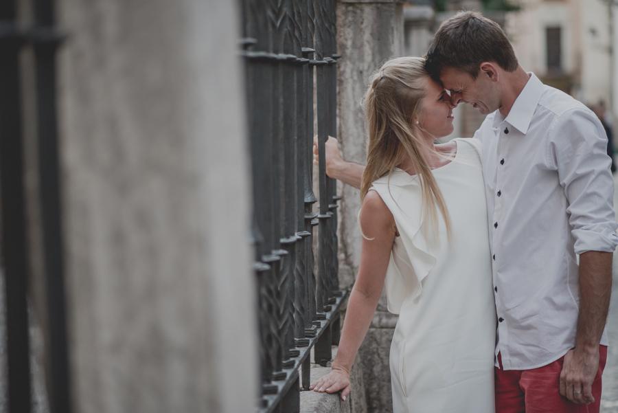 Kamila y Geminidas. Photoshoot in Granada. Couple session in Granada. Fran Ménez Photographer in Granada 16