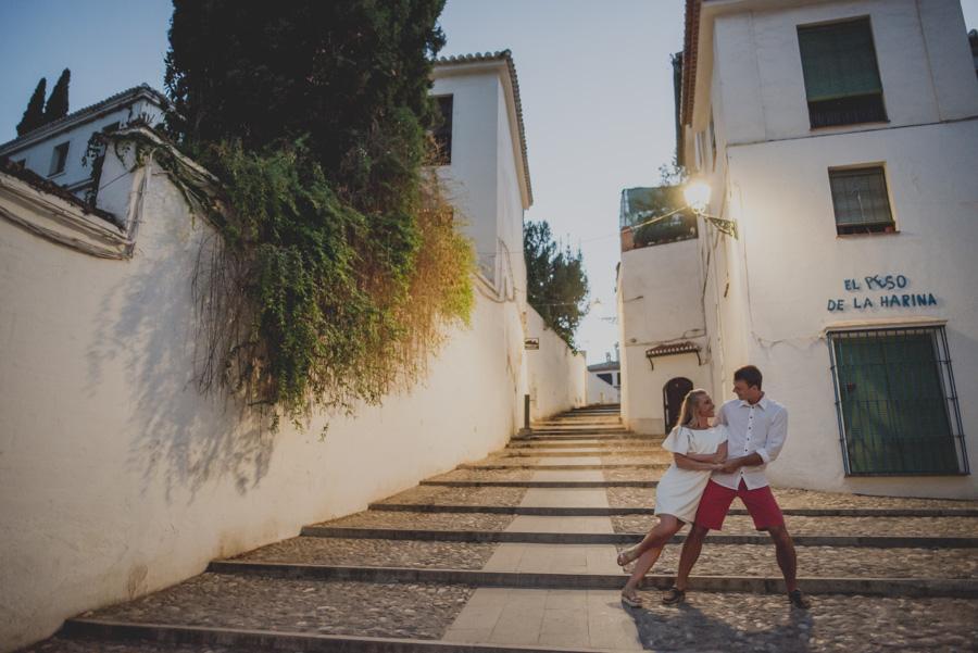 Kamila y Geminidas. Photoshoot in Granada. Couple session in Granada. Fran Ménez Photographer in Granada 24