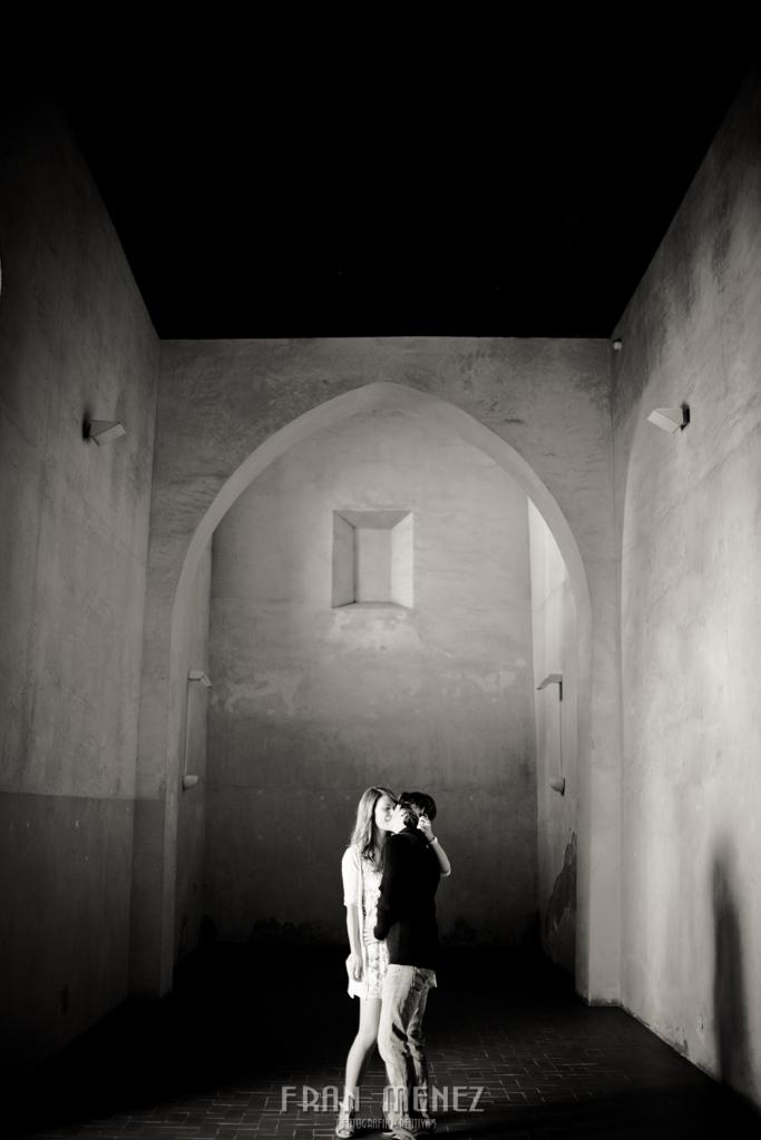 5 Fotografos de Pre Bodas en Granada. Fotografos de Pre Bodas Granada. Fotografos Pre Bodas Granada. Fotografias de Pre Boda Palacio Dar Al Horra. El Banuelo. Termas Arabes. Albaicin. Paseo de los Tristes