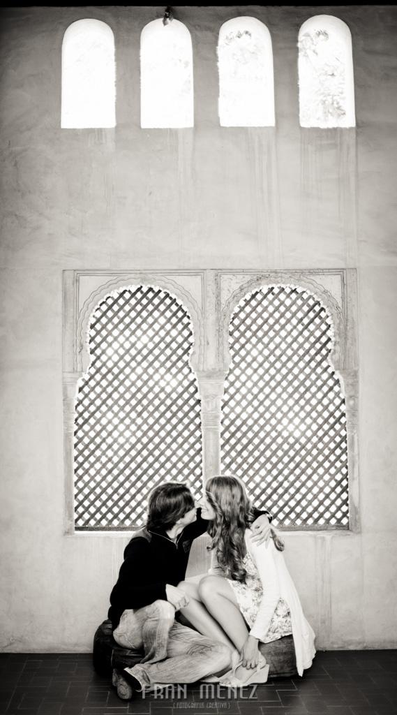 6 Fotografos de Pre Bodas en Granada. Fotografos de Pre Bodas Granada. Fotografos Pre Bodas Granada. Fotografias de Pre Boda Palacio Dar Al Horra. El Banuelo. Termas Arabes. Albaicin. Paseo de los Tristes