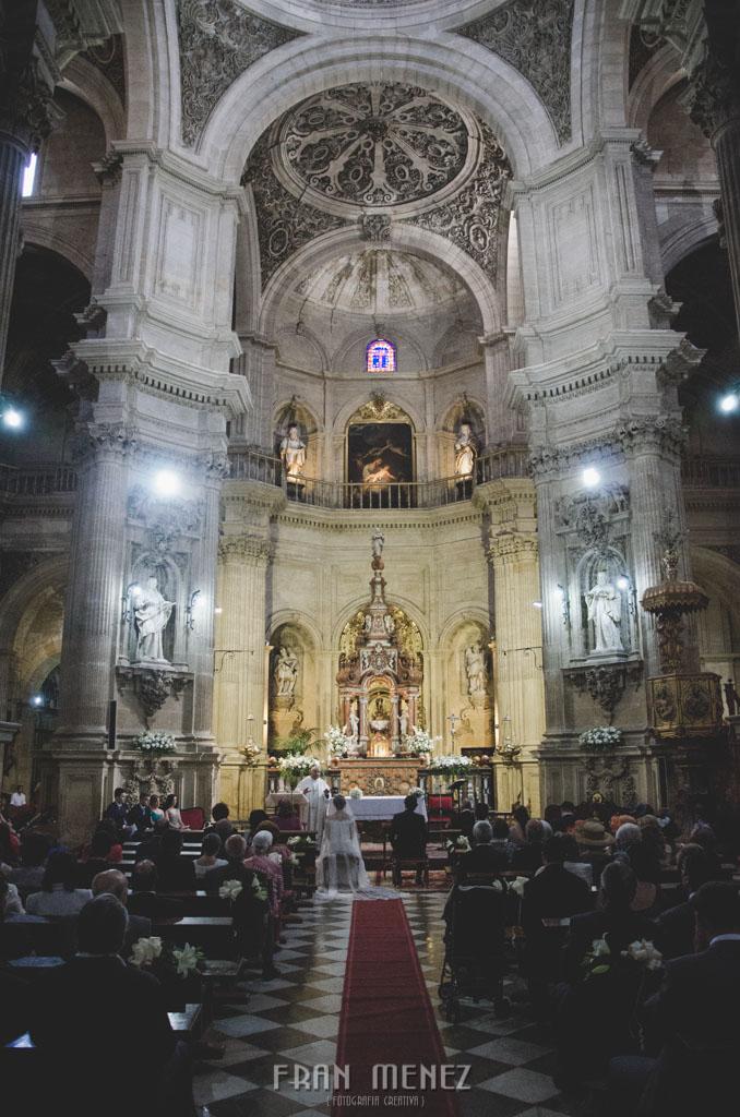 77 Fotografo Granada. Fotografia de Boda en Granada. Fran Ménez Fotografo. Hotel Palacio de Santa Paula. Iglesia del Sagrario
