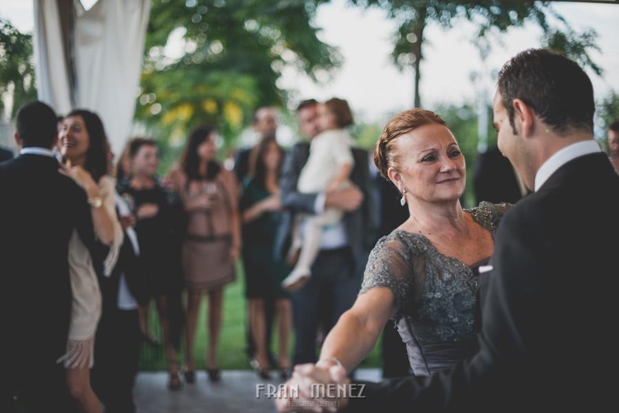 225 Fotografo de Bodas. Fran Ménez. Fotografía de Bodas Distintas, Naturales, Vintage, Vivertidas. Weddings Photographers. Fotoperiodismo de Bodas. Wedding Photojournalism
