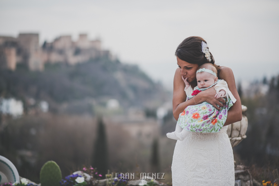 180 Weddings Photographer Fran Menez. Weddings Photographer in Granada, Spain. Destination Weddings Photopgrapher. Weddings Photojournalism. Vintage Weddings. Different Weddings in Granada