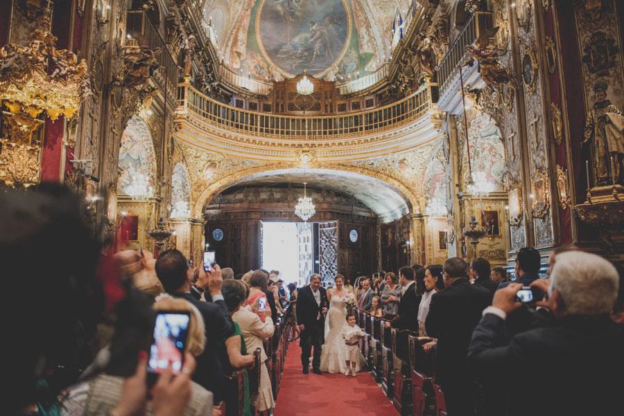Fotografias de Boda en San Juan de Dios y Carmen de los Chapiteles, Granada. Fran Ménez Reportajes de Boda. Leo y Tomás. 38