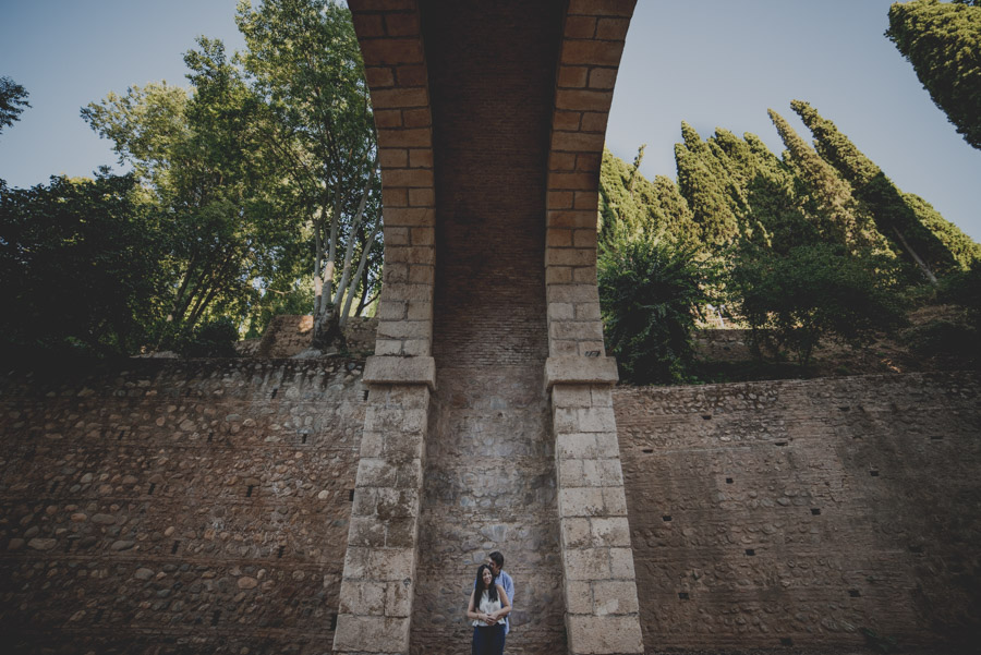 pre-boda-en-la-alhambra-fotografo-granada-fran-menez-ana-y-javi-1