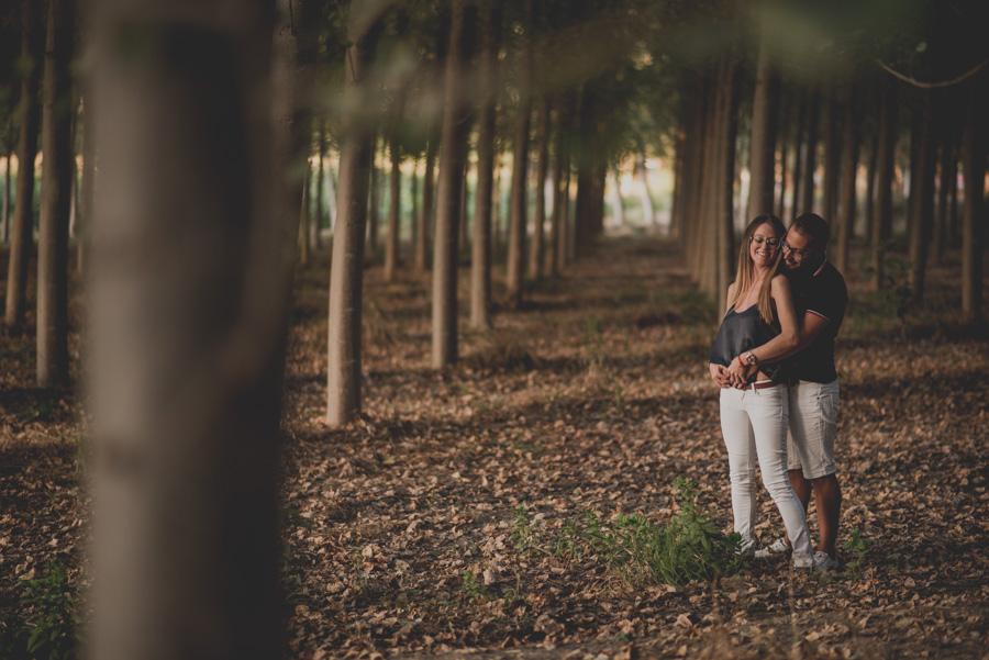 Pre-Boda-en-Granada-Reportaje-de-pareja-en-el-paseo-de-los-tristes-Fran-Ménez-Fotógrafo-de-Bodas-18