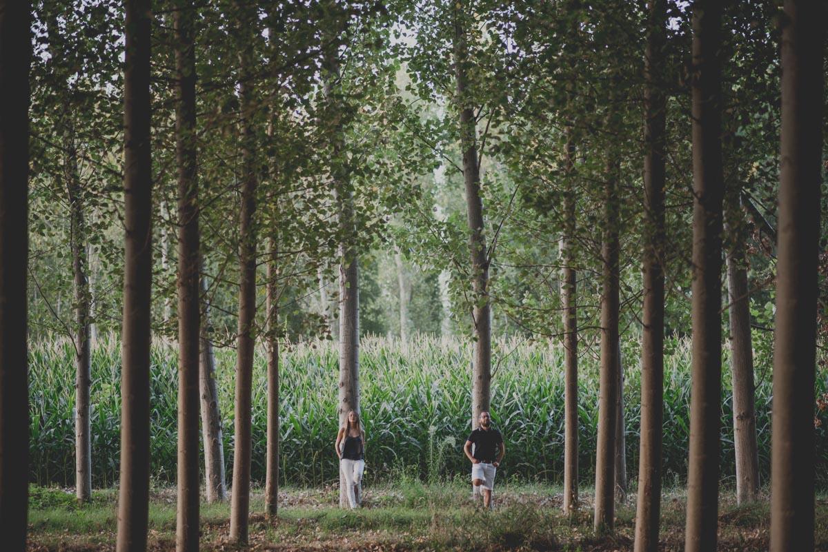 Pre-Boda-en-Granada-Reportaje-de-pareja-en-el-paseo-de-los-tristes-Fran-Ménez-Fotógrafo-de-Bodas-25