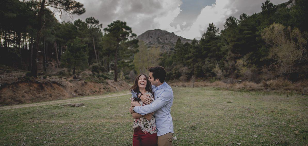 David e Inma. Pre Boda en Primavera en la Sierra de Huetor Santillan. Fran Ménez Fotógrafos de Boda en Granada. 1