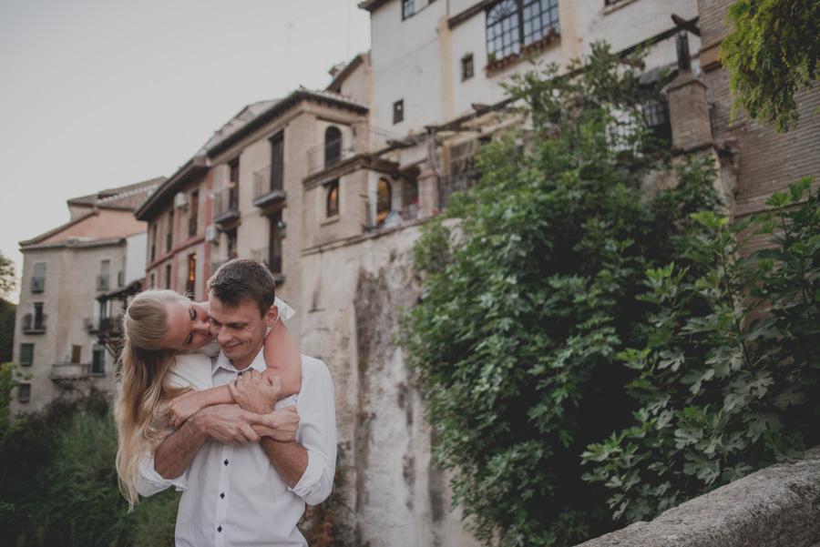 Kamila y Geminidas. Photoshoot in Granada. Couple session in Granada. Fran Ménez Photographer in Granada 21