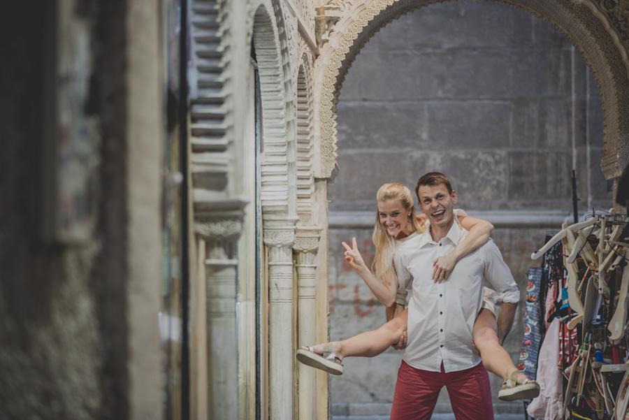 Kamila y Geminidas. Photoshoot in Granada. Couple session in Granada. Fran Ménez Photographer in Granada 8