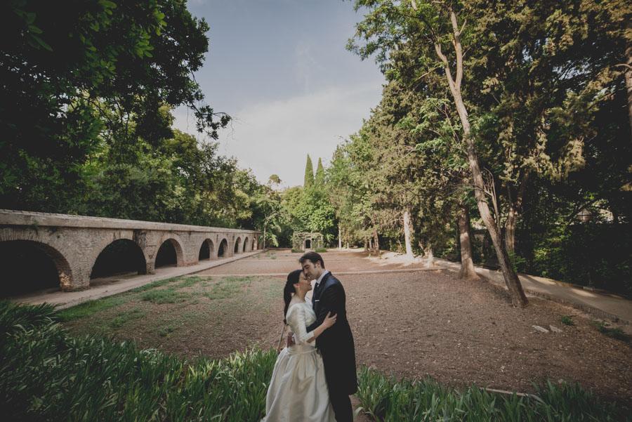 Post Boda en los alrededores de la Alhambra. Fran Menez Fotógrafos de Boda en Granada. 15