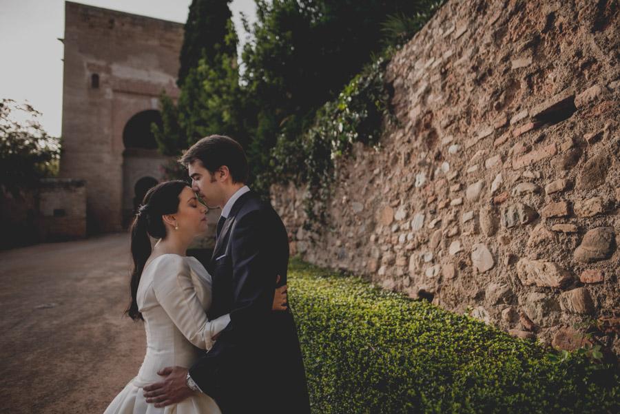 Post Boda en los alrededores de la Alhambra. Fran Menez Fotógrafos de Boda en Granada. 16