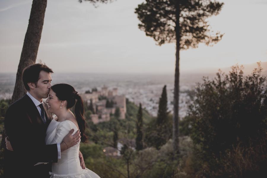 Post Boda en los alrededores de la Alhambra. Fran Menez Fotógrafos de Boda en Granada. 33