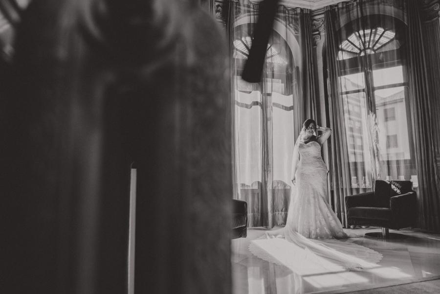 Valeria e Indra. Boda en el Hotel Vincci Albayzin, Granada. Fran Ménez Fotógrafo de Bodas 30