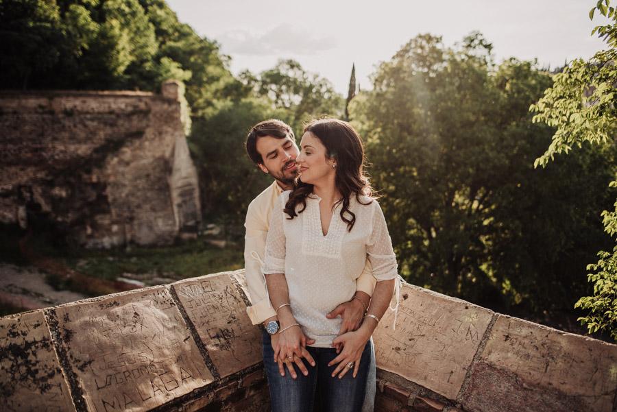 Pre Boda Fátima y Pablo. Sesión Fotográfica en el Albaicin, Granada. Por Fran Ménez Fotógrafo de Bodas 13