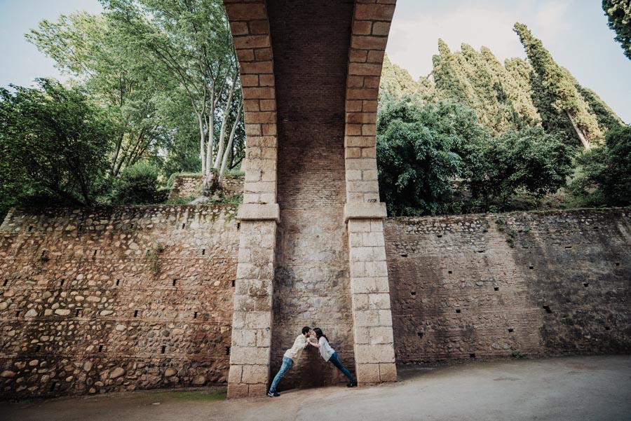 Pre Boda Fátima y Pablo. Sesión Fotográfica en el Albaicin, Granada. Por Fran Ménez Fotógrafo de Bodas 22