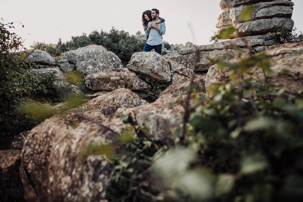 Pre Boda Lorena y Victor en Torcal de Antequera. Fran Menez Fotografo de Bodas en Malaga 13
