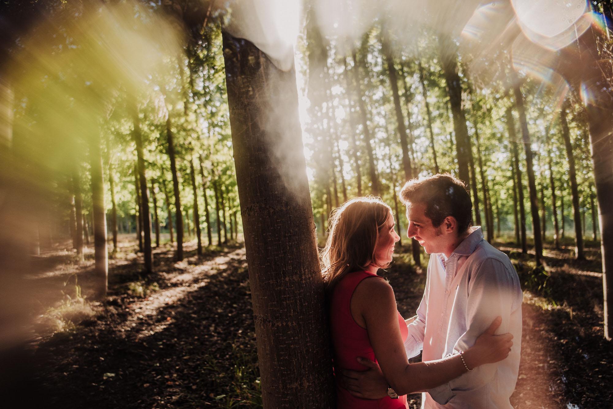 Elena y Alberto. Sesión Pre boda en choperas. Fran Ménez Fotografo en Granada Destacada