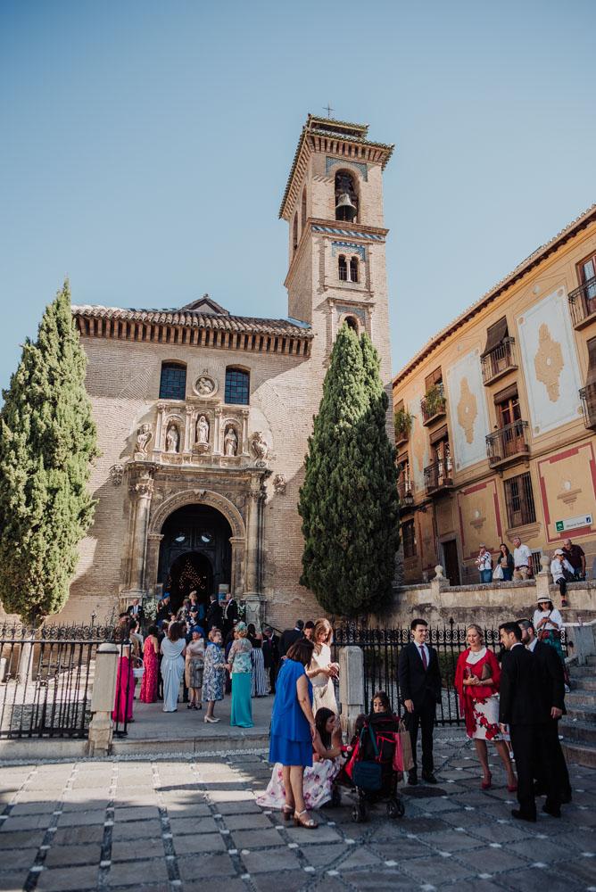 Boda-en-Santa-Ana-y-Carmen-de-los-Chapiteles.-Fran-Menez-Fotografos-de-boda-en-Granada-33