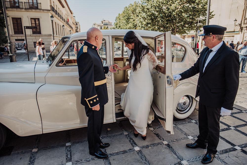 Boda-en-Santa-Ana-y-Carmen-de-los-Chapiteles.-Fran-Menez-Fotografos-de-boda-en-Granada-40