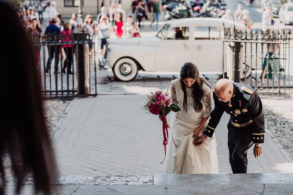 Boda-en-Santa-Ana-y-Carmen-de-los-Chapiteles.-Fran-Menez-Fotografos-de-boda-en-Granada-41