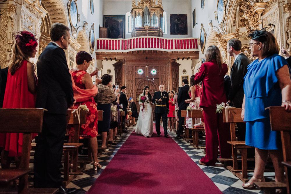 Boda-en-Santa-Ana-y-Carmen-de-los-Chapiteles.-Fran-Menez-Fotografos-de-boda-en-Granada-43