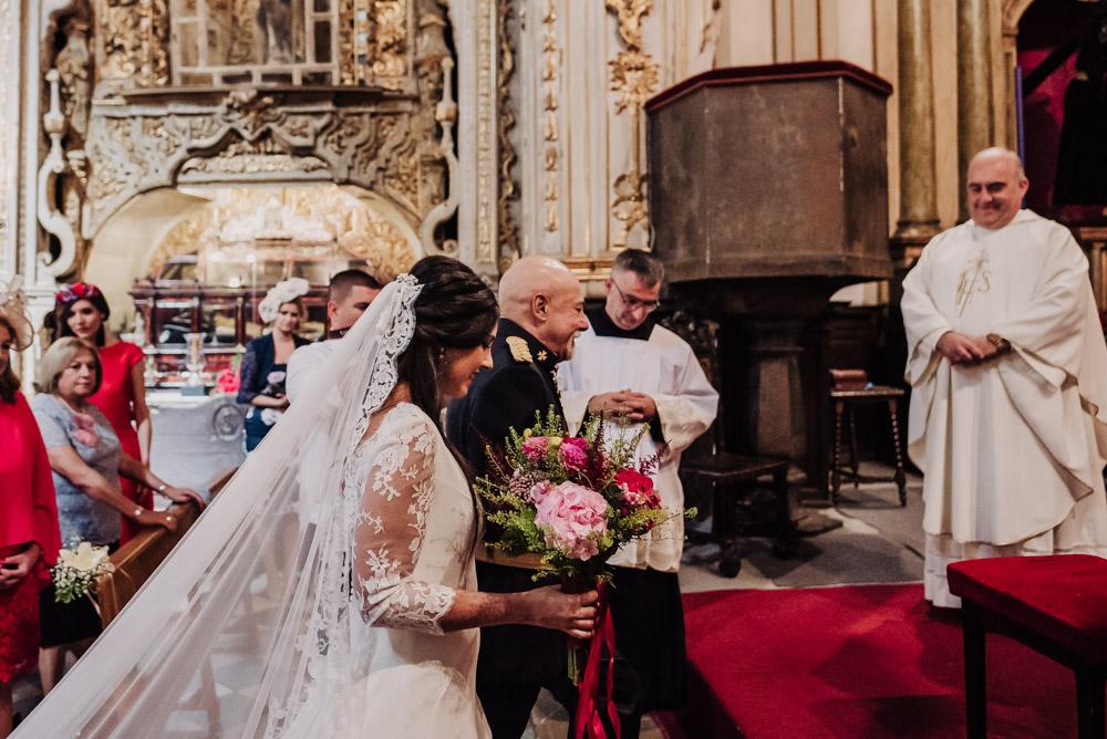 Boda-en-Santa-Ana-y-Carmen-de-los-Chapiteles.-Fran-Menez-Fotografos-de-boda-en-Granada-44