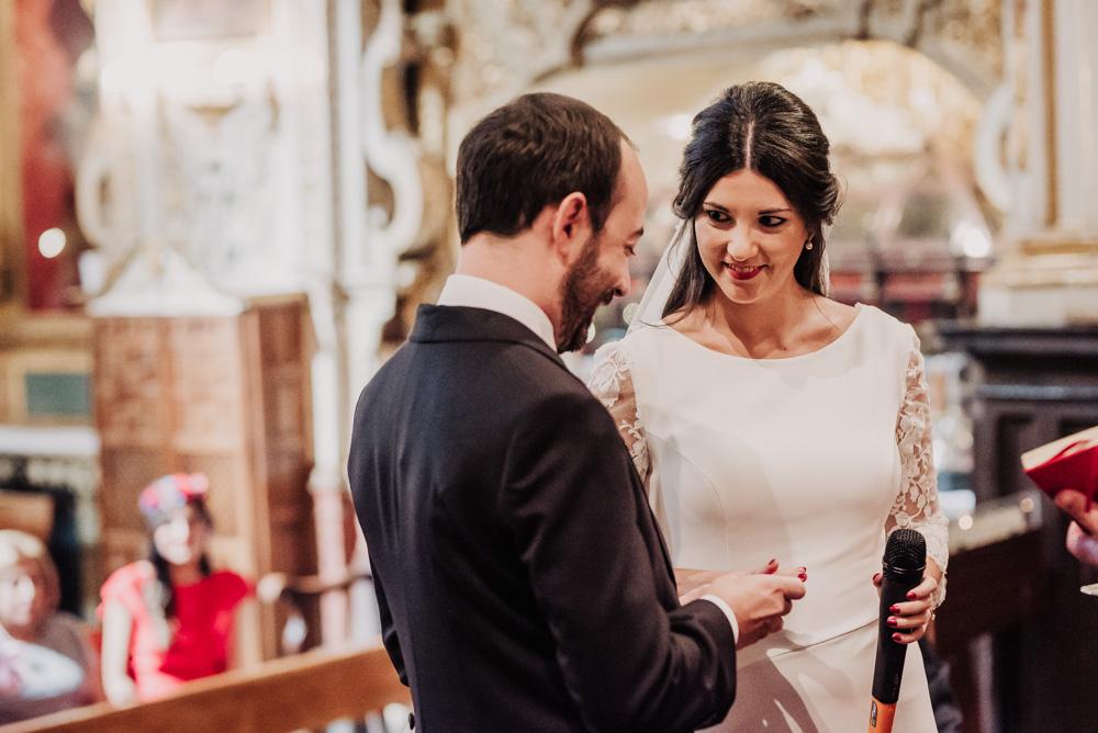 Boda-en-Santa-Ana-y-Carmen-de-los-Chapiteles.-Fran-Menez-Fotografos-de-boda-en-Granada-49