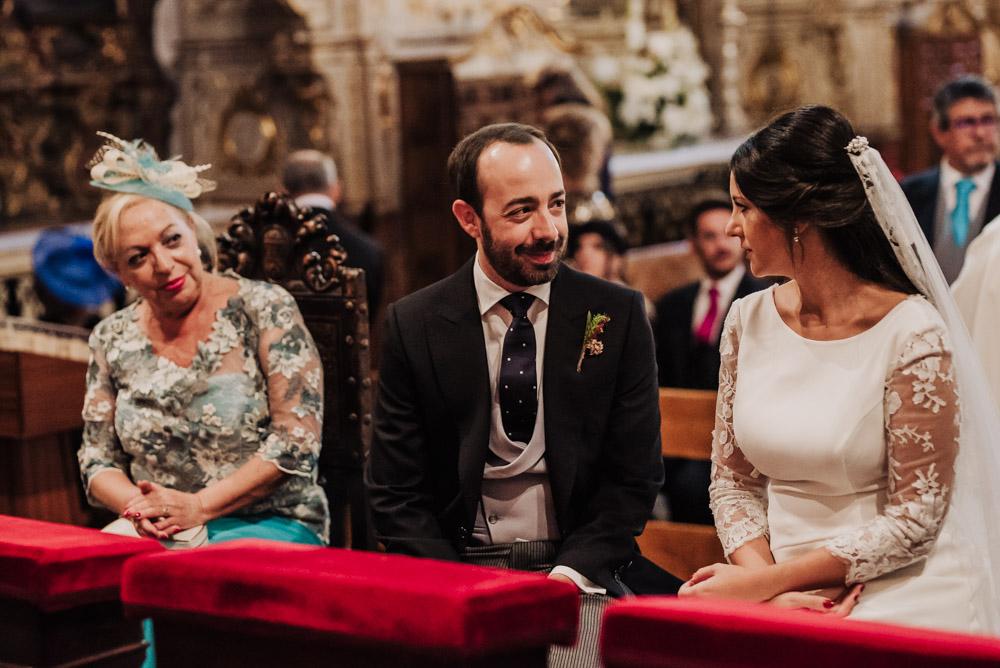 Boda-en-Santa-Ana-y-Carmen-de-los-Chapiteles.-Fran-Menez-Fotografos-de-boda-en-Granada-50