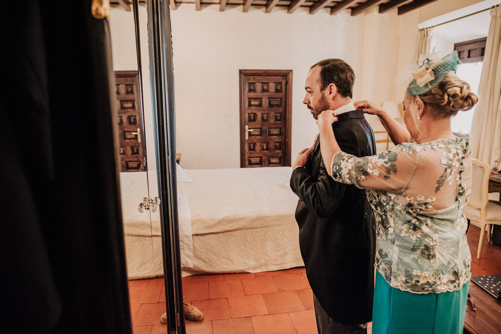Boda-en-Santa-Ana-y-Carmen-de-los-Chapiteles.-Fran-Menez-Fotografos-de-boda-en-Granada-7