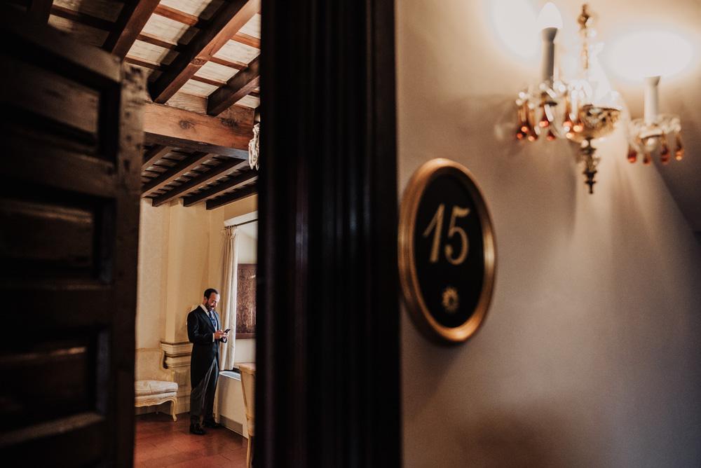 Boda-en-Santa-Ana-y-Carmen-de-los-Chapiteles.-Fran-Menez-Fotografos-de-boda-en-Granada-8