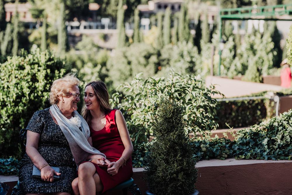 Boda-en-Santa-Ana-y-Carmen-de-los-Chapiteles.-Fran-Menez-Fotografos-de-boda-en-Granada-97
