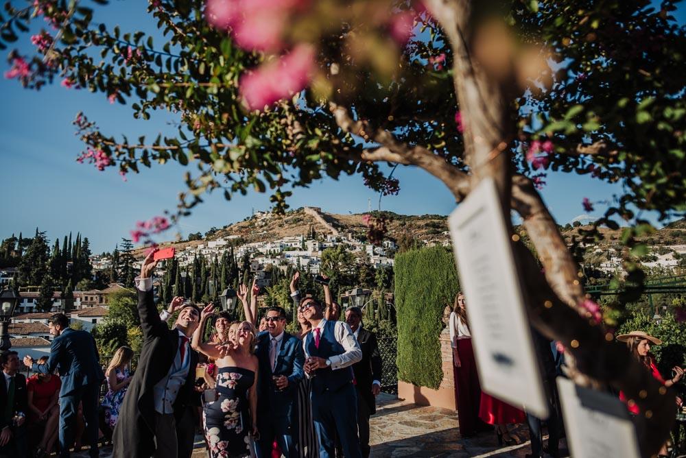 Boda-en-Santa-Ana-y-Carmen-de-los-Chapiteles.-Fran-Menez-Fotografos-de-boda-en-Granada-99