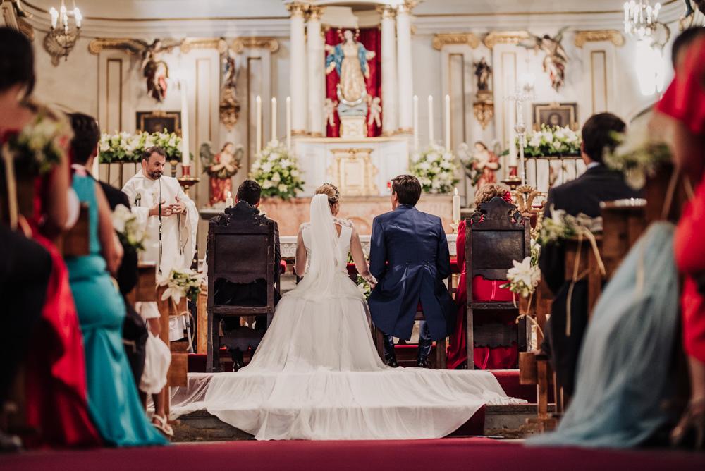 Boda-en-la-Iglesia-de-Santa-Ana-y-en-el-Carmen-de-los-Chapiteles.-Blanca-y-Javi.-Fran-Menez-Fotografo-Bodas-Granada-30