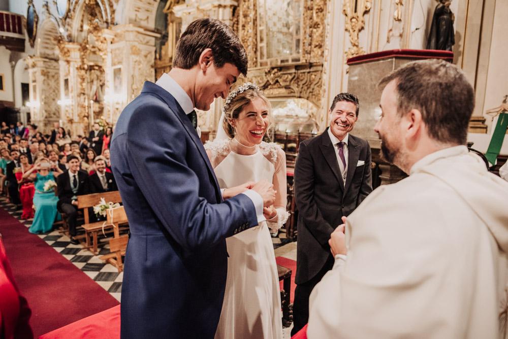 Boda-en-la-Iglesia-de-Santa-Ana-y-en-el-Carmen-de-los-Chapiteles.-Blanca-y-Javi.-Fran-Menez-Fotografo-Bodas-Granada-32